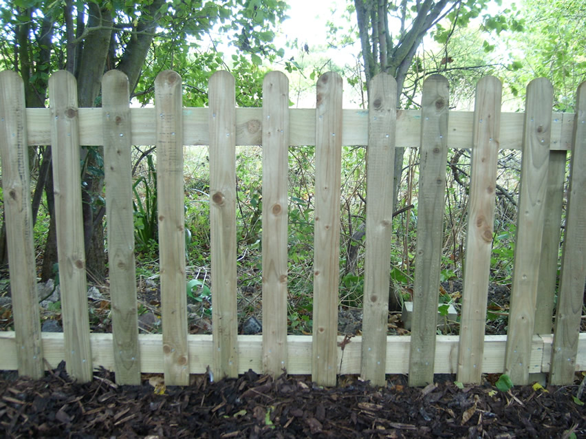 Green Fingers - Picket Fencing